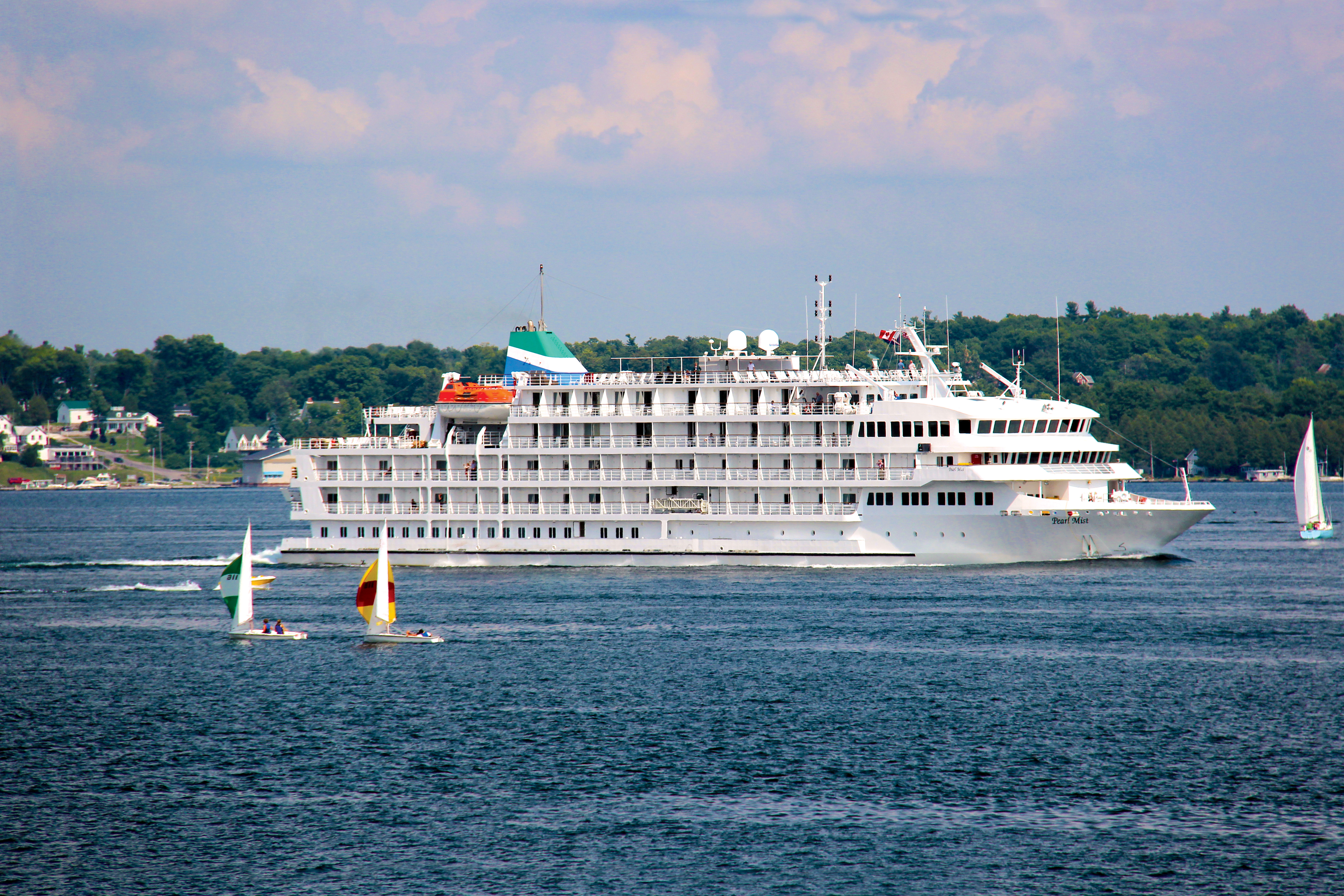 Great Lakes Cruise Company Pearl Mist Great Lakes Cruise Company